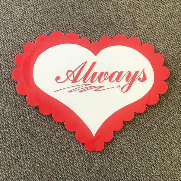 always_hearts_love_yard_greetings_cards_lawn_signs_happy_birthday_over_hill_anniversary
