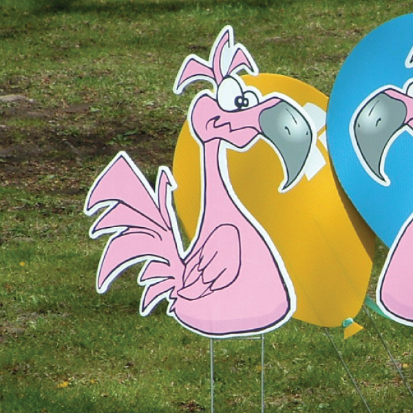 flamingos_right_yard_greetings_lawn_signs_cards_happy_birthday_hoppy_over_hill