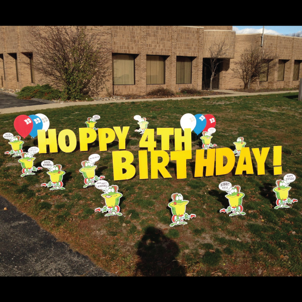 frog_yard_greetings_lawn_signs_cards_happy_birthday_hoppy_over_hill