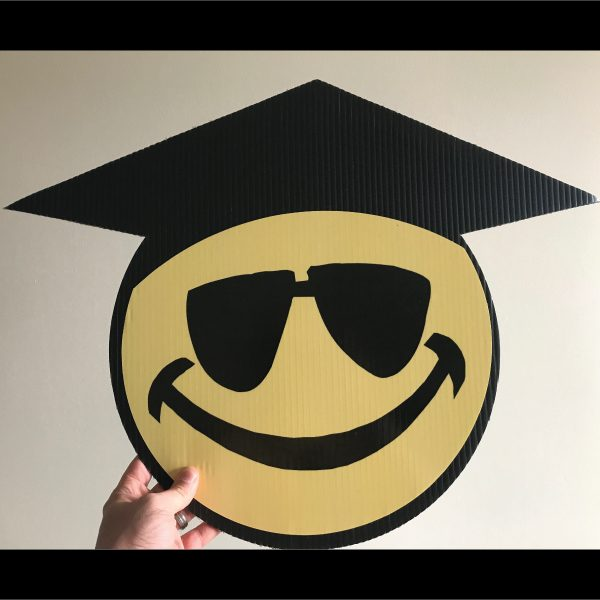 gs10_graduation_smiley_face_emoji_yard_greetings_lawn_signs_cards_happy_birthday_hoppy_over_hill
