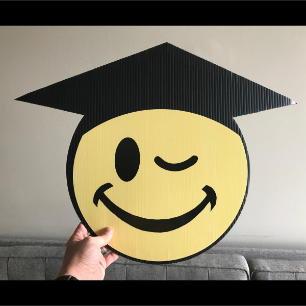 gs6_graduation_smiley_face_emoji_yard_greetings_lawn_signs_cards_happy_birthday_hoppy_over_hill