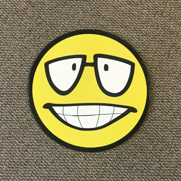 smiley_face_sm2_yard_greetings_cards_lawn_signs_happy_birthday_over_hill_anniversary