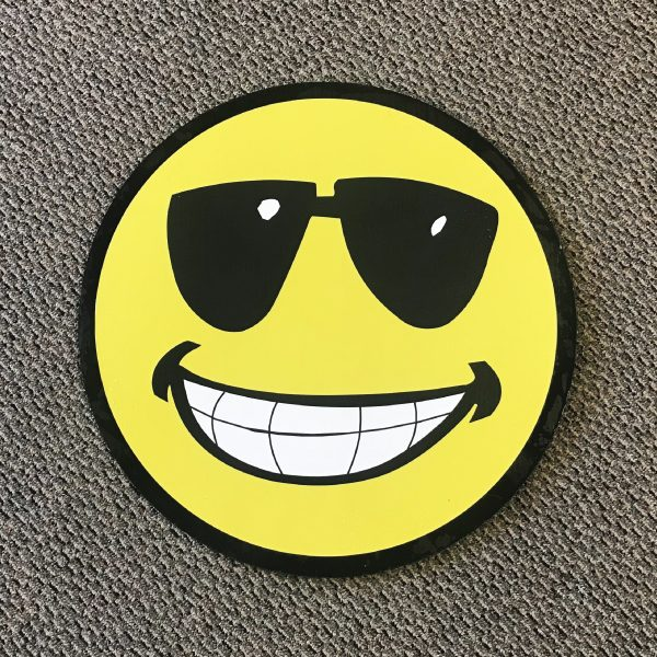 smiley_face_sm3_yard_greetings_cards_lawn_signs_happy_birthday_over_hill_anniversary