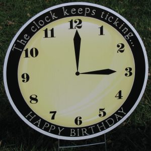 clock_11_yard_greetings_lawn_signs_cards_happy_birthday_hoppy_over_hill