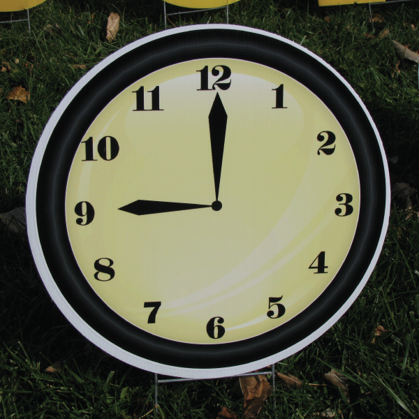 clock_2_yard_greetings_lawn_signs_cards_happy_birthday_hoppy_over_hill