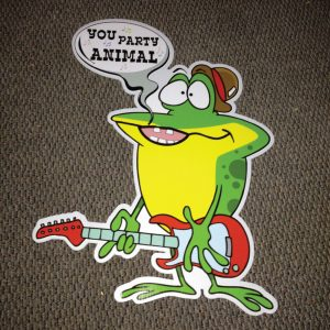 frog_left_party_animal_hoppy_birthday_yard_greetings_lawn_signs_cards_happy_over_hill