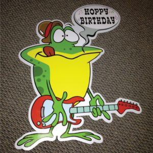 frog_right_hoppy_birthday_yard_greetings_lawn_signs_cards_happy_over_hill