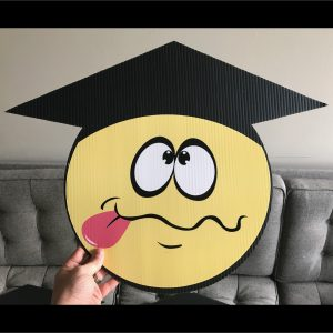 gs13_graduation_smiley_face_emoji_yard_greetings_lawn_signs_cards_happy_birthday_hoppy_over_hill