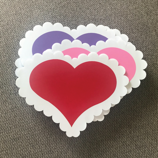hearts_dozen_pink_red_purple_love_yard_greetings_cards_lawn_signs_happy_birthday_over_hill_anniversary