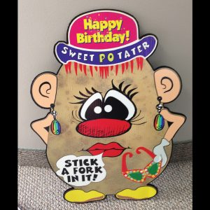 hp10_hot_potatos_yard_greetings_lawn_signs_cards_happy_birthday_hoppy_over_hill