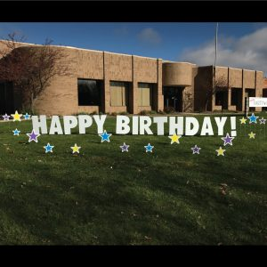 stars_yard_greetings_lawn_signs_cards_happy_birthday_hoppy_over_hill