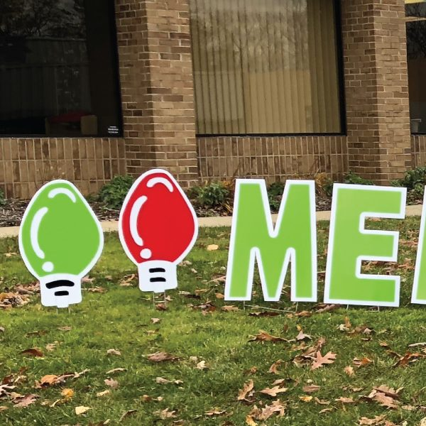 merry-christmas-happy-holidays-yard-greetings-cards-lawn-signs-bulbs-2