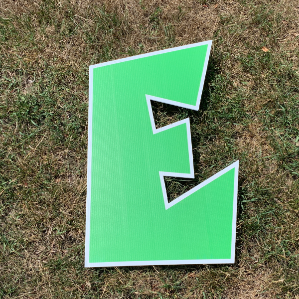 green letter e yard greetings cards corrugated plastic coroplast happy birthday lawn