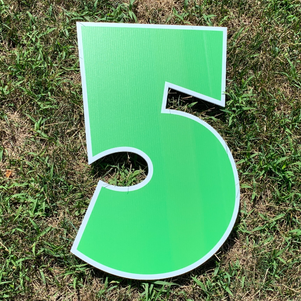green number 5 yard greetings cards corrugated plastic coroplast happy birthday lawn