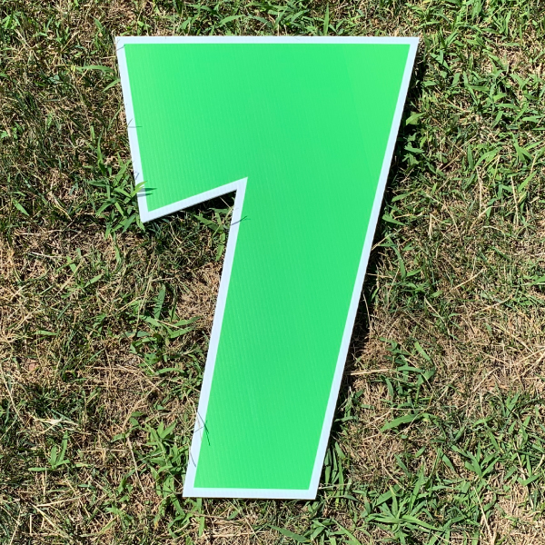 green number 7 yard greetings cards corrugated plastic coroplast happy birthday lawn