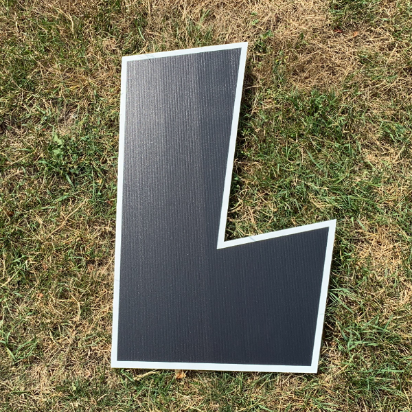 black letter L yard greetings cards corrugated plastic coroplast happy birthday lawn