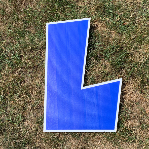 blue letter L yard greetings cards corrugated plastic coroplast happy birthday lawn